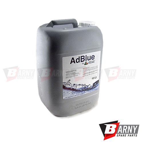 AdBlue è una soluzione composta da urea e acqua, atossica, incolore, inodore e non infiammabile, che viene inserita in un serbatoio dedicato del camion